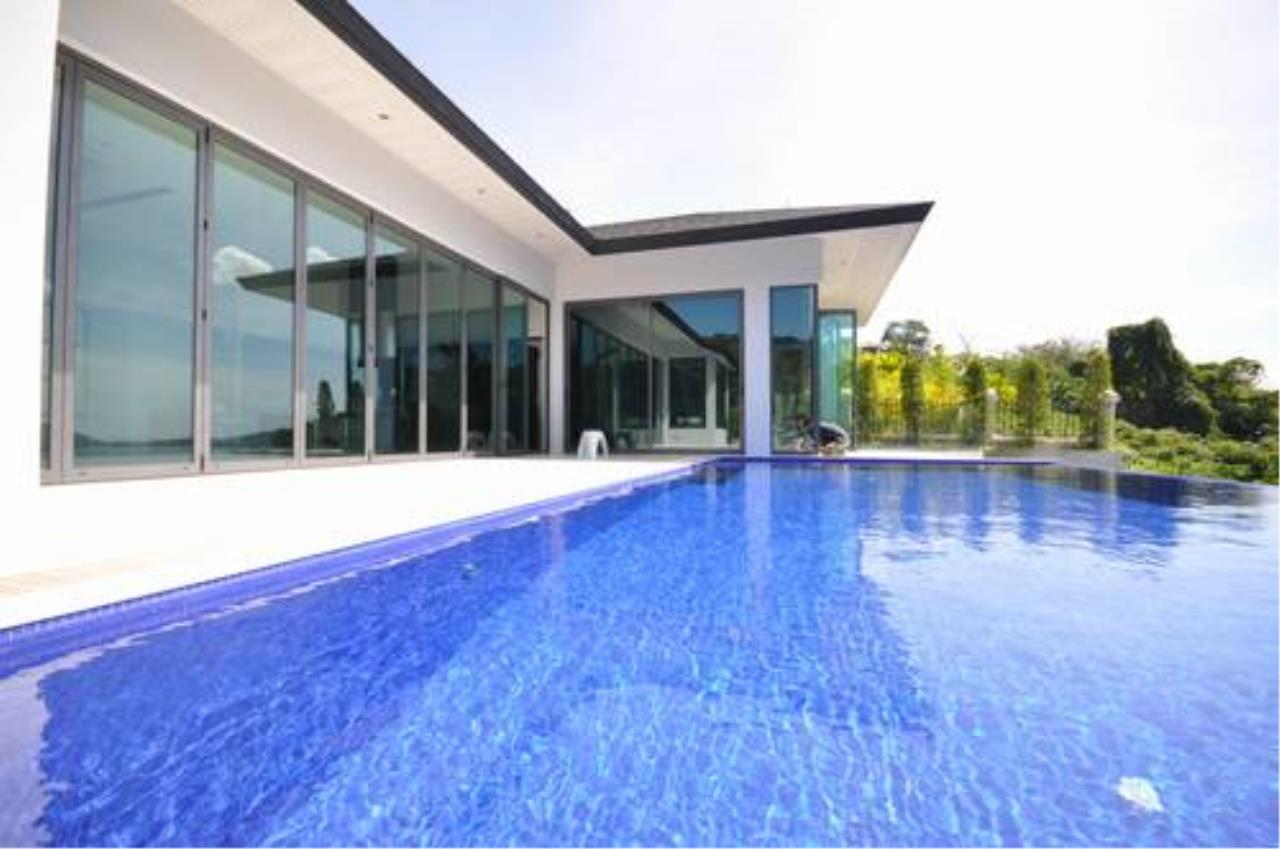 REAL Phuket  Agency's Outstanding 6-Bedroom Pool Villa Overlooking Patong Bay 2