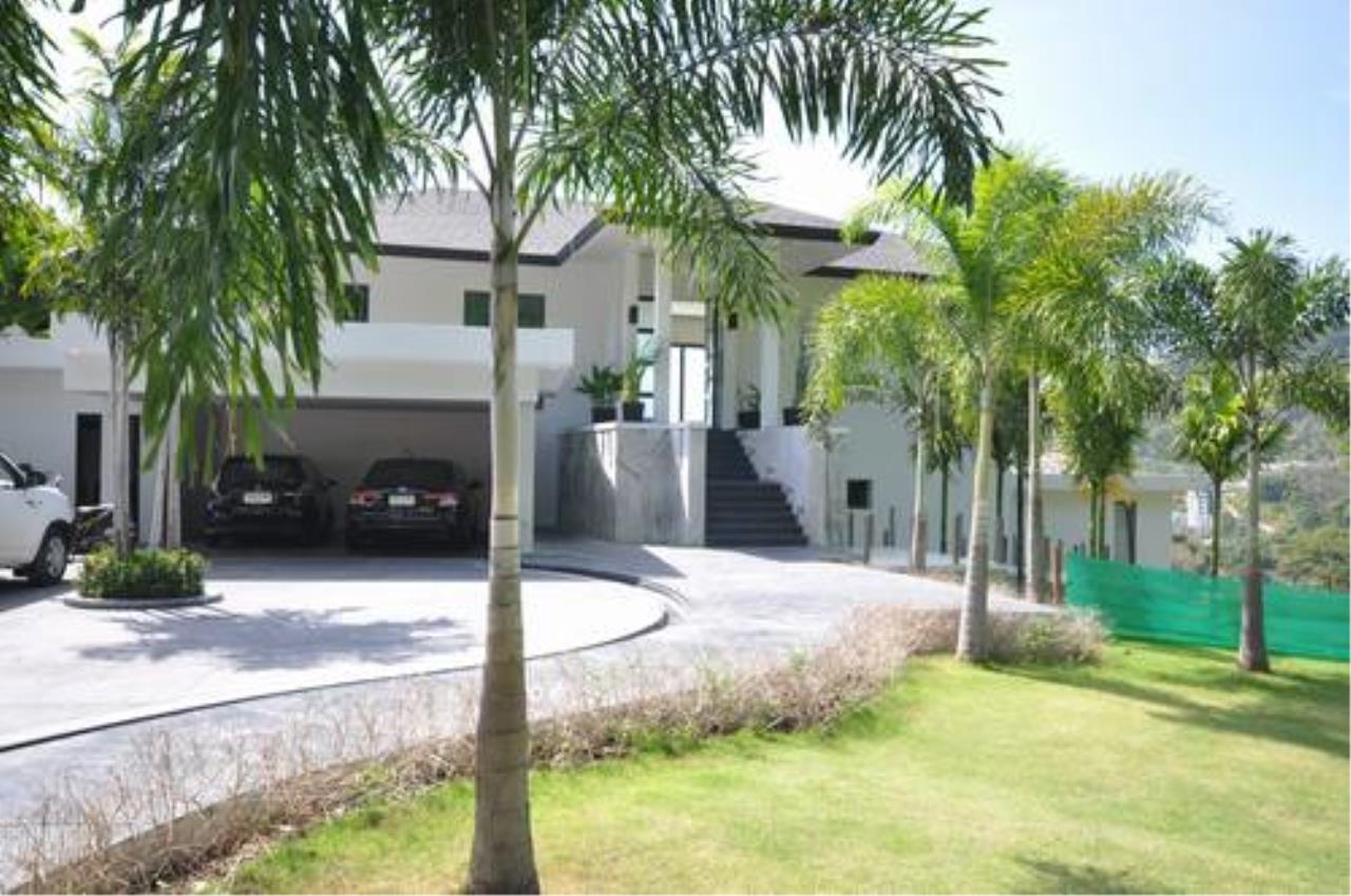 REAL Phuket  Agency's Outstanding 6-Bedroom Pool Villa Overlooking Patong Bay 5