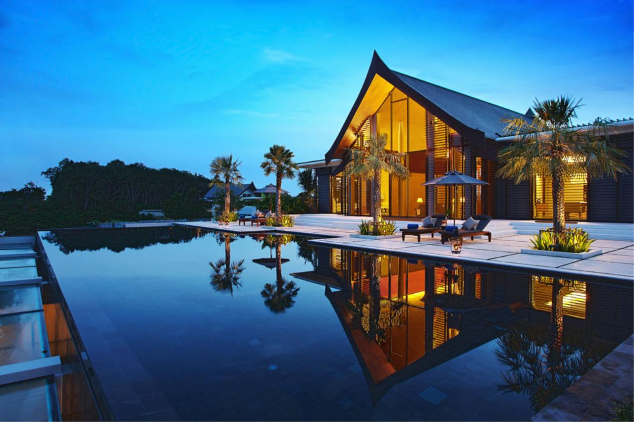 REAL Phuket  Agency's The Ultimate Luxury - 9-Bedroom Beachfront Villa at Cape Yamu 37