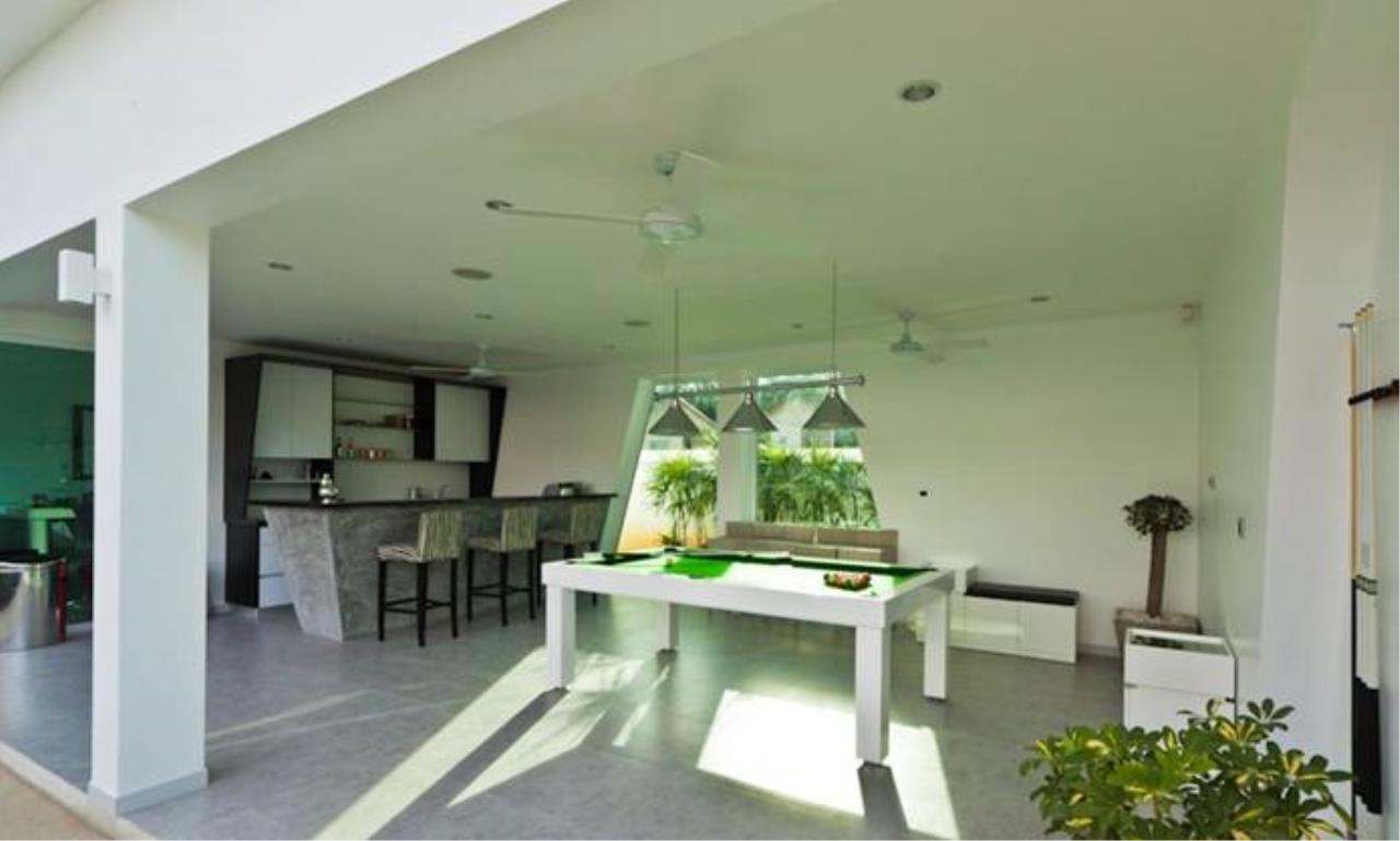 REAL Phuket  Agency's Villa Verde - Modern 5-Bedroom Pool Villa in Rawai 10
