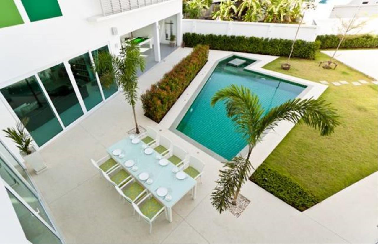 REAL Phuket  Agency's Villa Verde - Modern 5-Bedroom Pool Villa in Rawai 12
