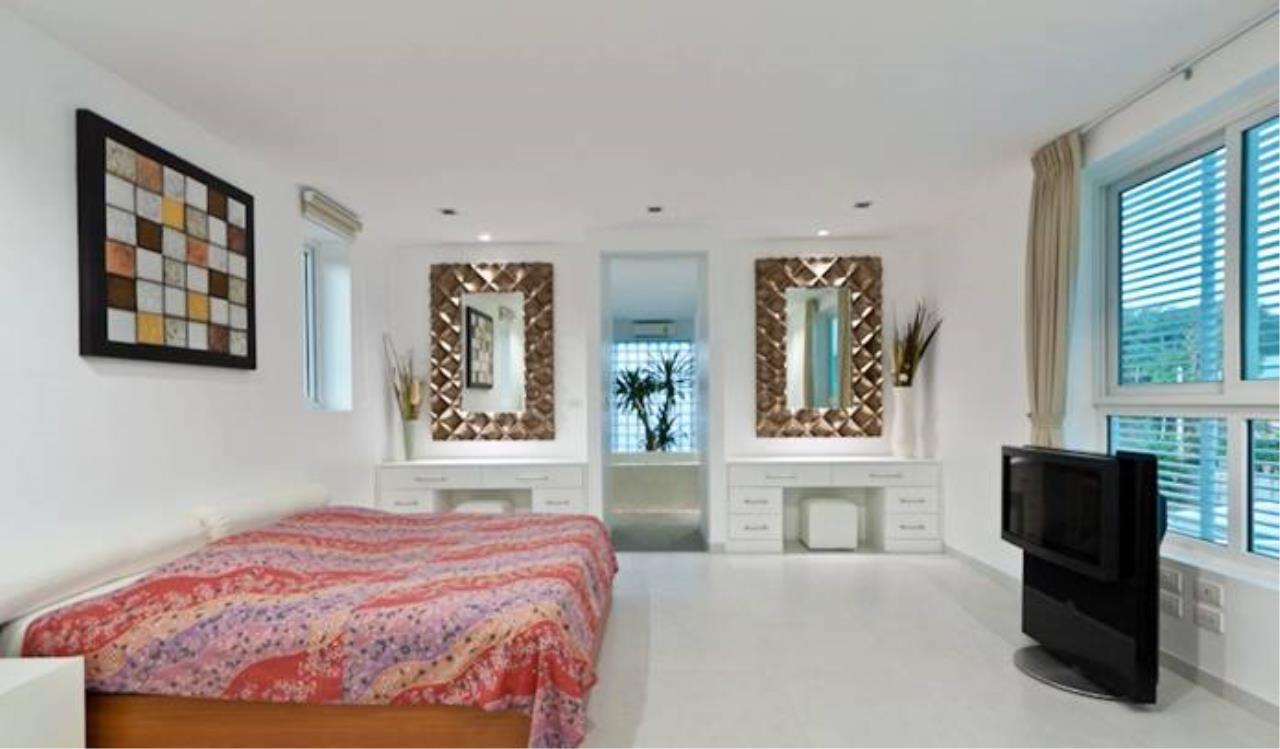 REAL Phuket  Agency's Villa Verde - Modern 5-Bedroom Pool Villa in Rawai 13