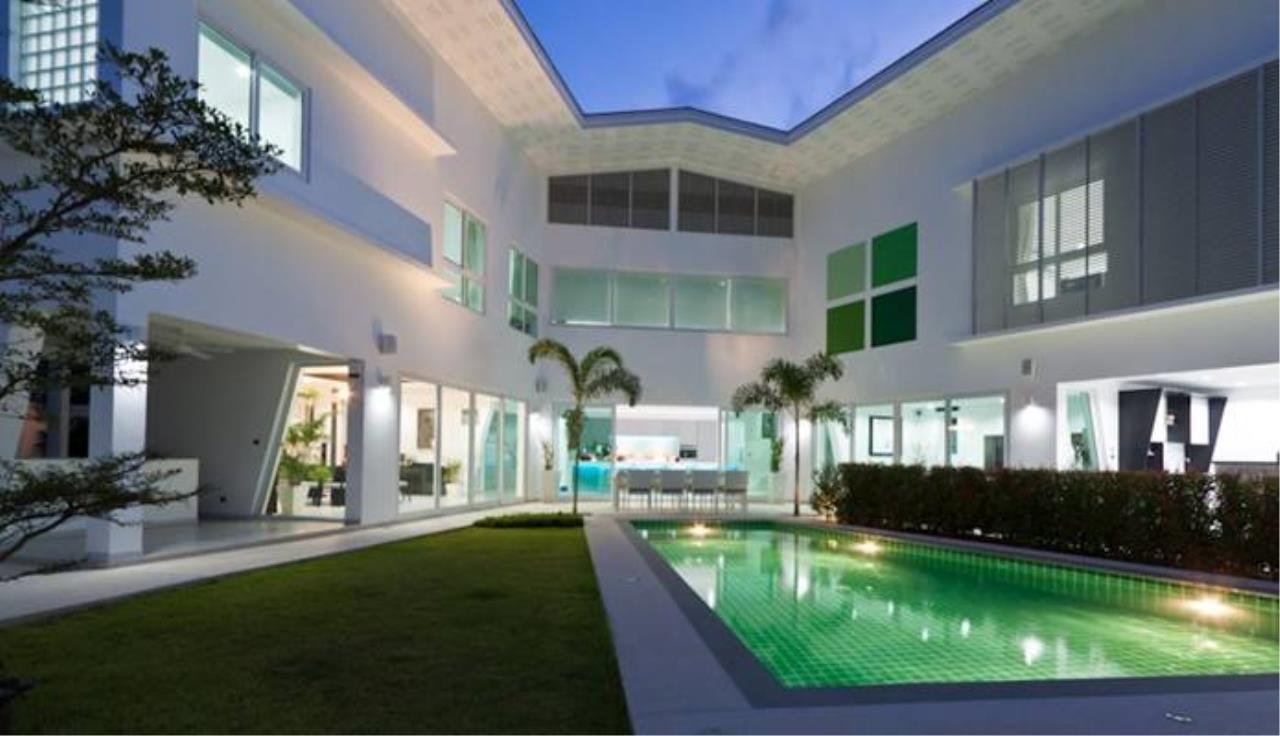 REAL Phuket  Agency's Villa Verde - Modern 5-Bedroom Pool Villa in Rawai 14