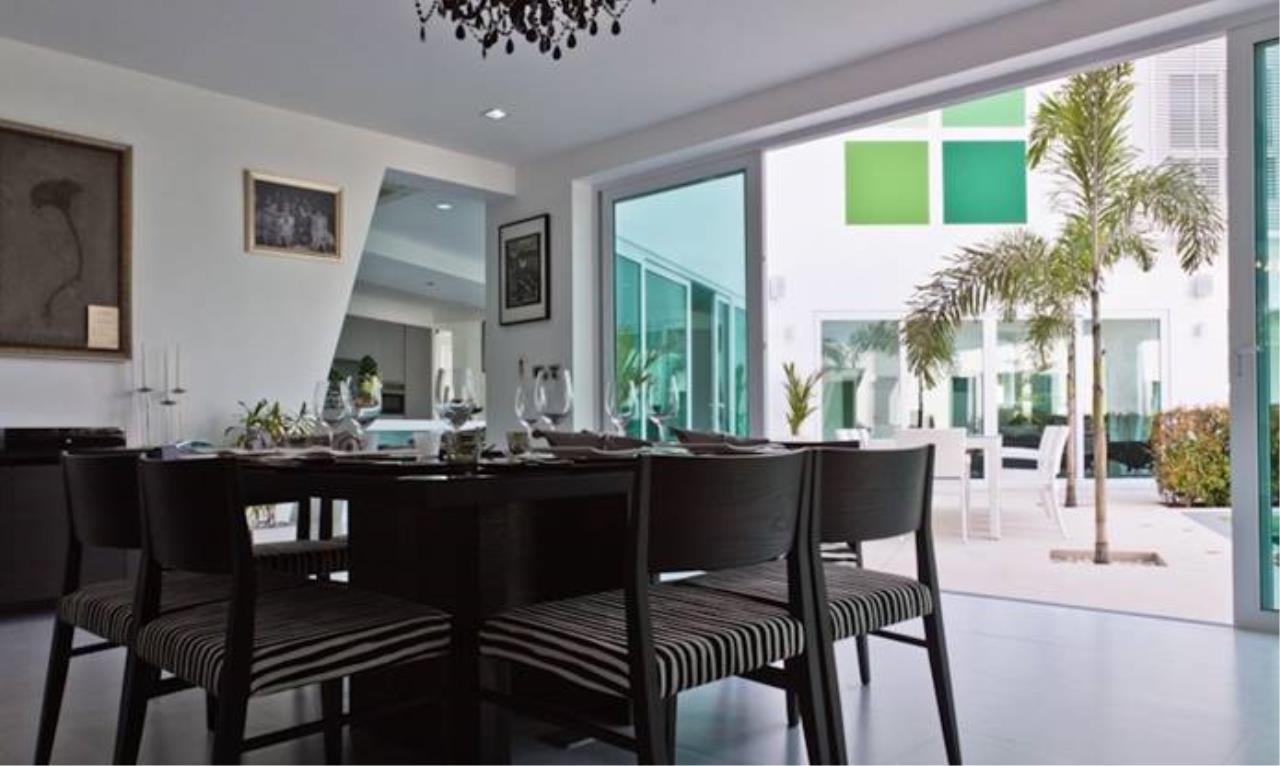 REAL Phuket  Agency's Villa Verde - Modern 5-Bedroom Pool Villa in Rawai 16