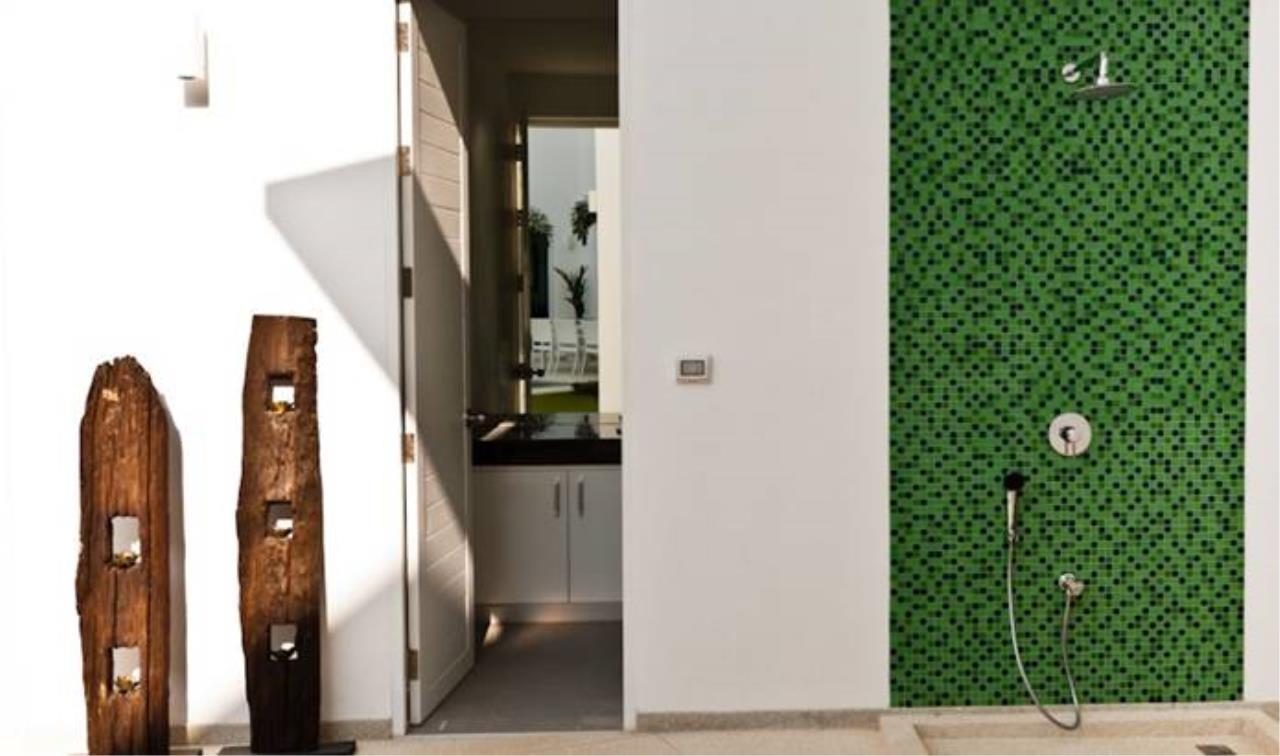 REAL Phuket  Agency's Villa Verde - Modern 5-Bedroom Pool Villa in Rawai 17