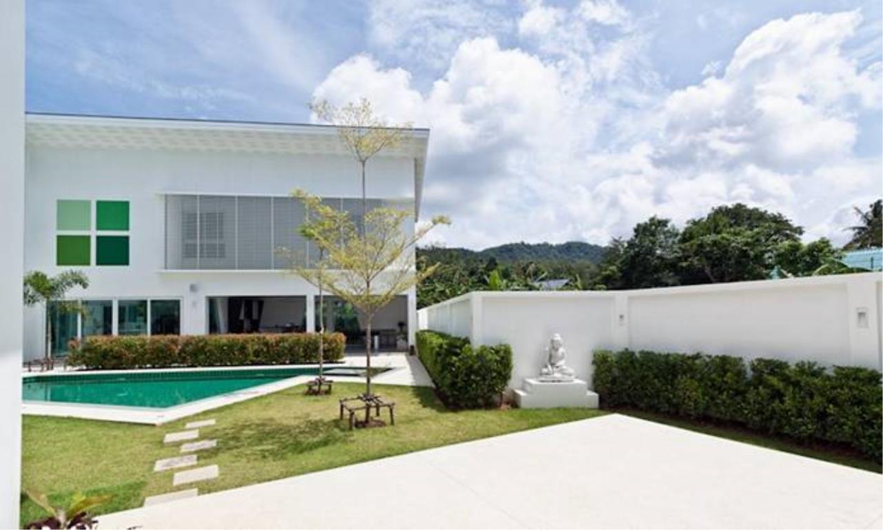 REAL Phuket  Agency's Villa Verde - Modern 5-Bedroom Pool Villa in Rawai 3