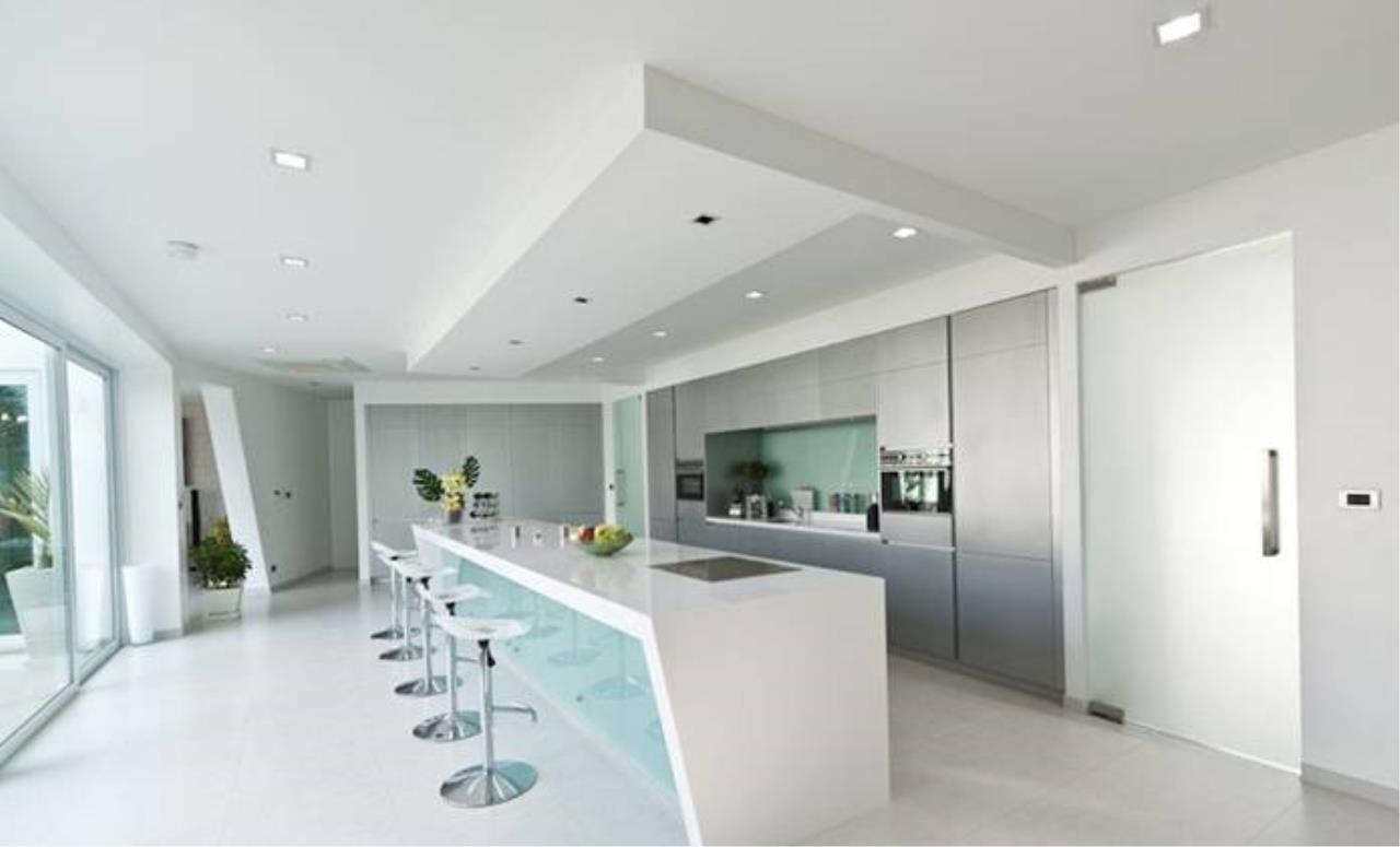 REAL Phuket  Agency's Villa Verde - Modern 5-Bedroom Pool Villa in Rawai 18