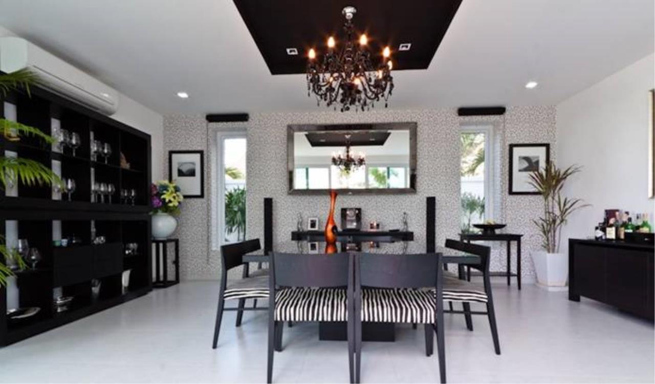 REAL Phuket  Agency's Villa Verde - Modern 5-Bedroom Pool Villa in Rawai 6
