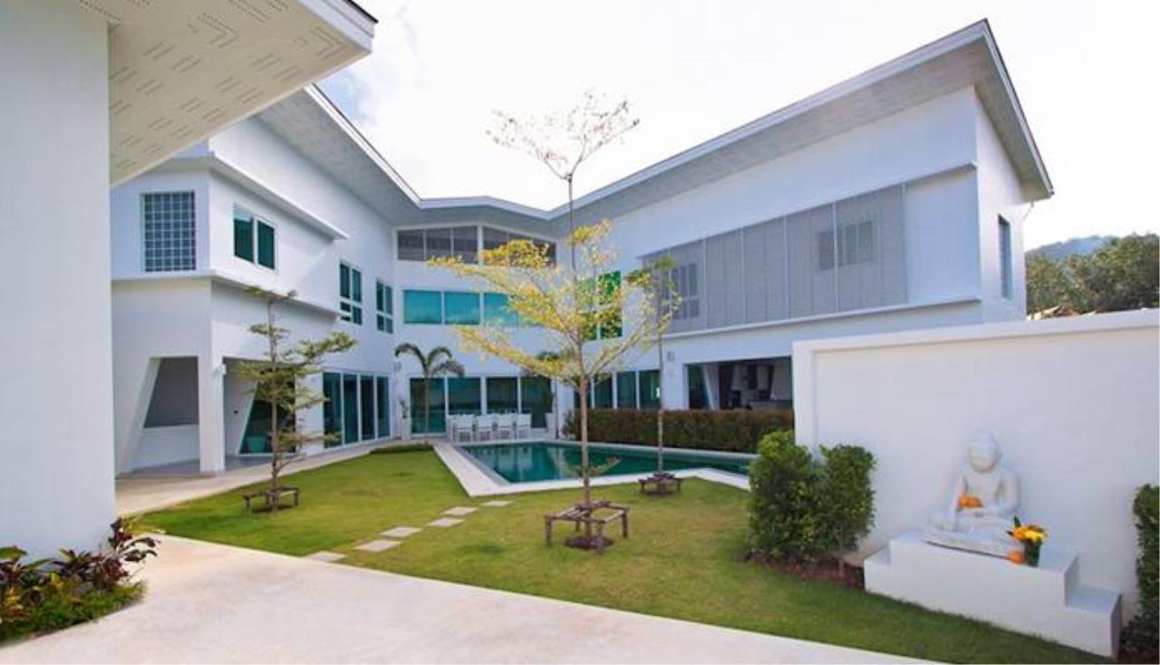 REAL Phuket  Agency's Villa Verde - Modern 5-Bedroom Pool Villa in Rawai 7