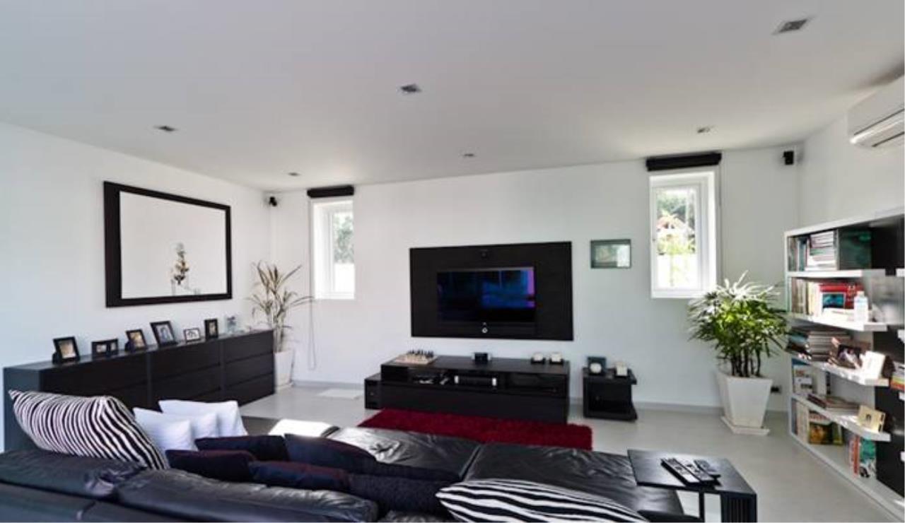 REAL Phuket  Agency's Villa Verde - Modern 5-Bedroom Pool Villa in Rawai 8