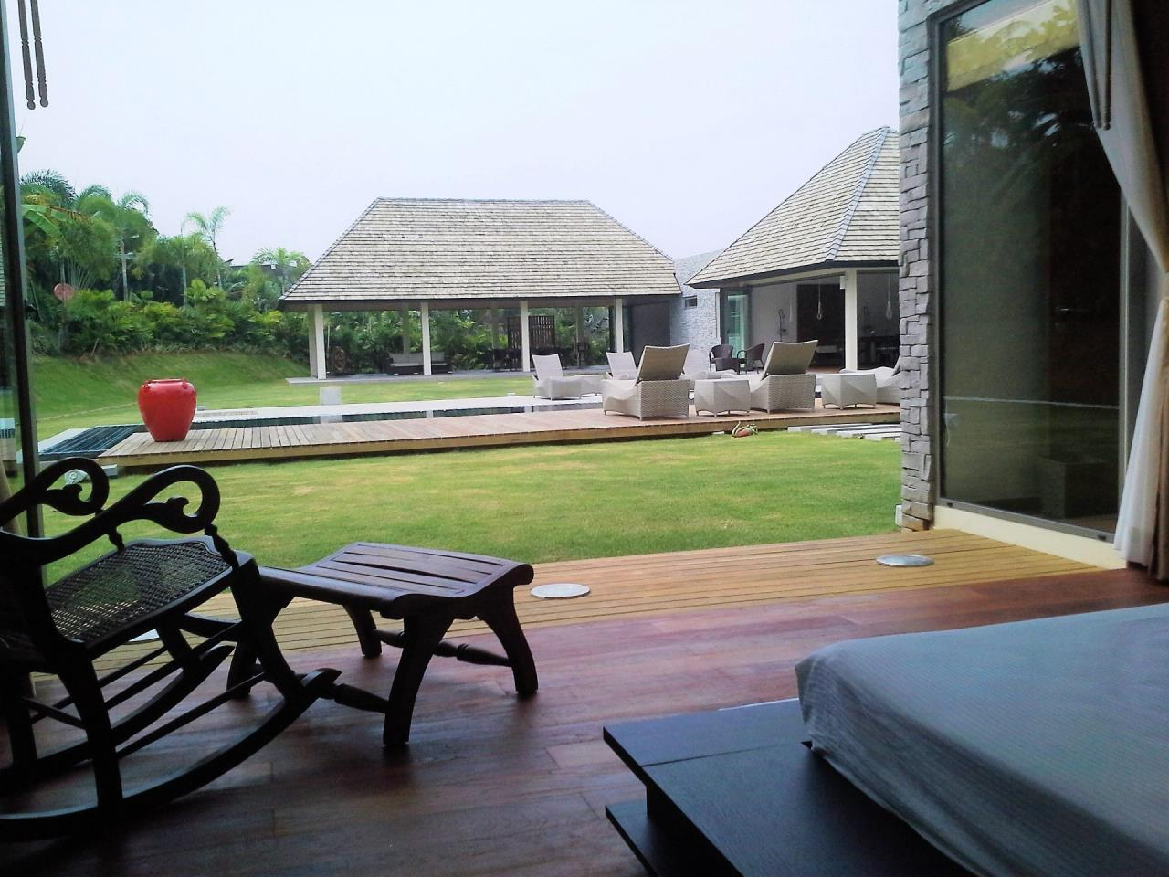REAL Phuket  Agency's Layan Hills Estate - Superb Modern 5-Bedroom Pool Villa in Cherngtalay 8