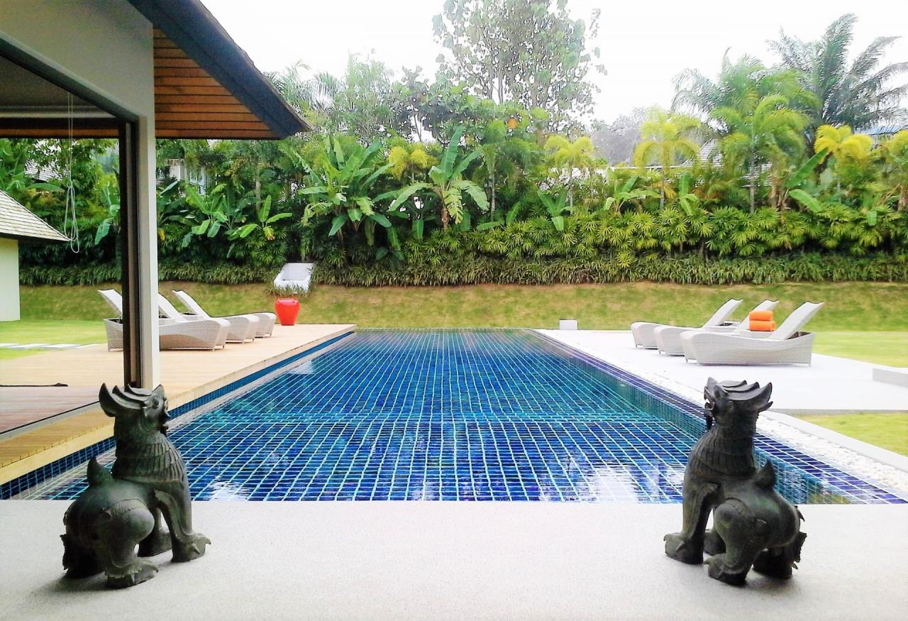 REAL Phuket  Agency's Layan Hills Estate - Superb Modern 5-Bedroom Pool Villa in Cherngtalay 13