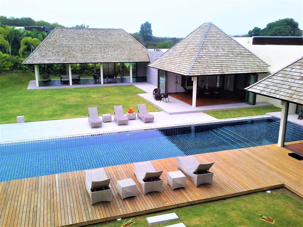 REAL Phuket  Agency's Layan Hills Estate - Superb Modern 5-Bedroom Pool Villa in Cherngtalay 23