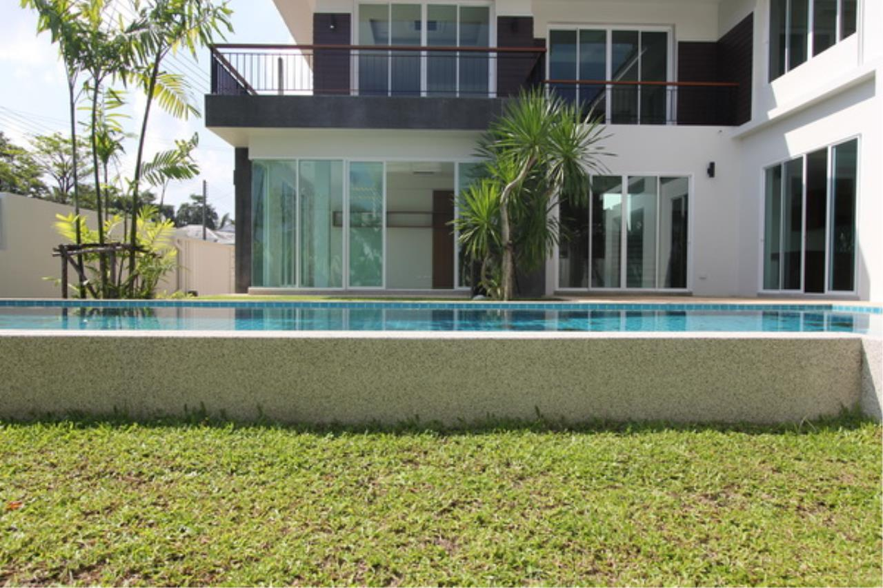 REAL Phuket  Agency's Elegant 3-Bedroom Pool Villa in Pasak 2