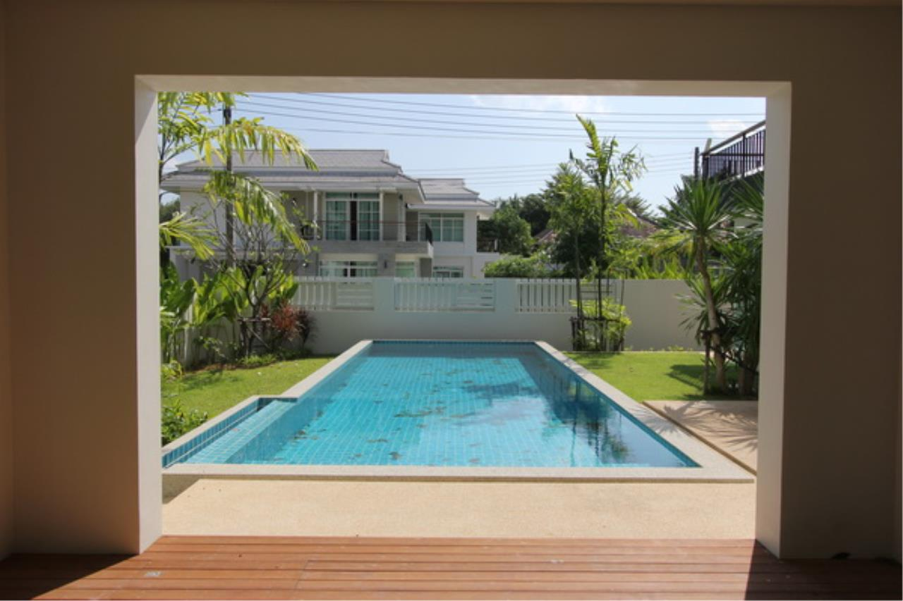 REAL Phuket  Agency's Elegant 3-Bedroom Pool Villa in Pasak 3