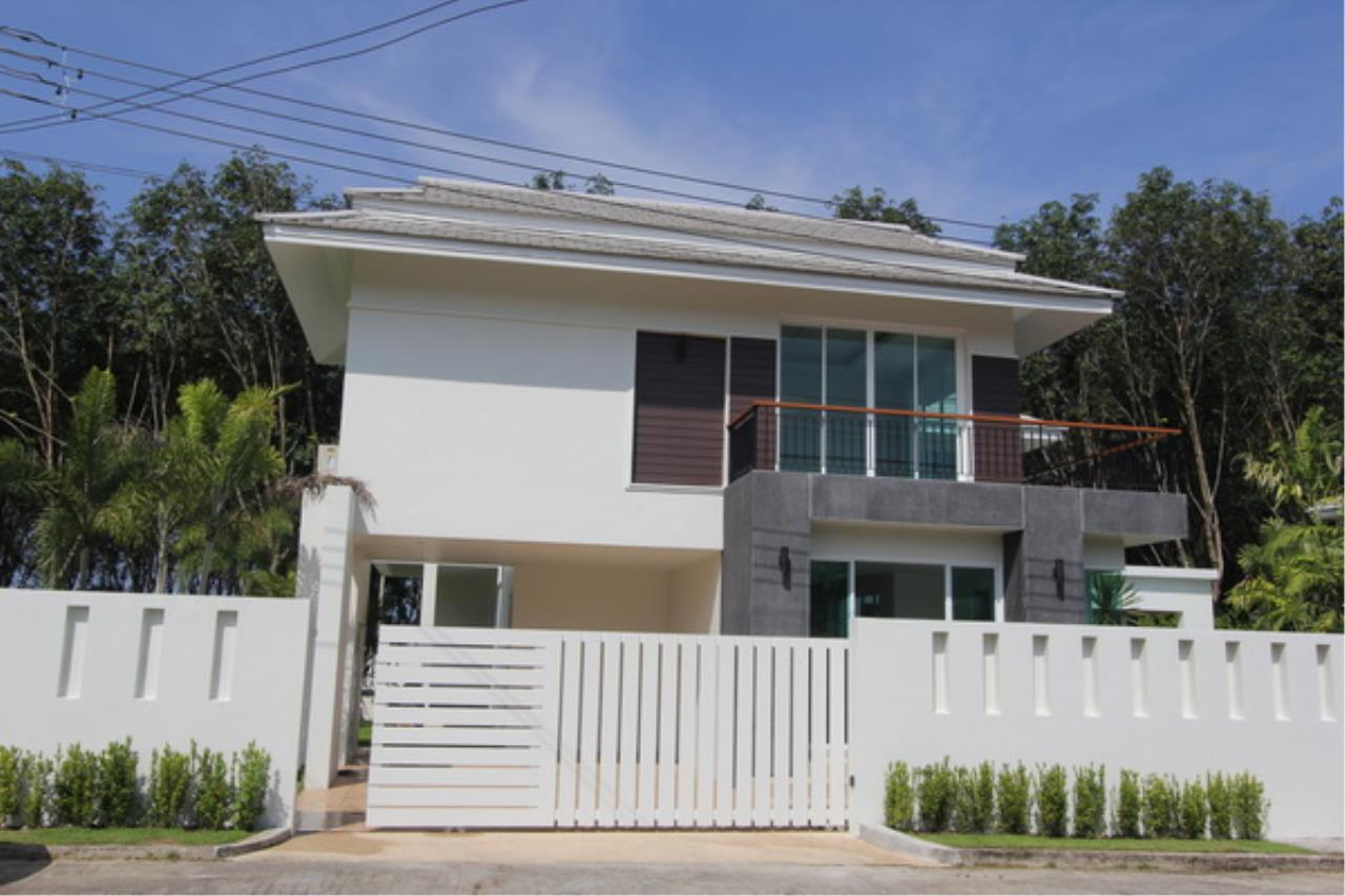 REAL Phuket  Agency's Elegant 3-Bedroom Pool Villa in Pasak 7