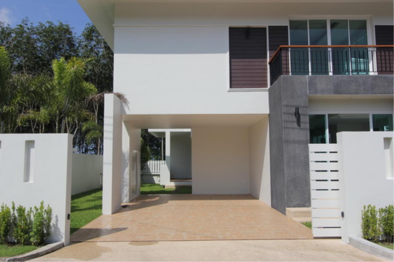 REAL Phuket  Agency's Elegant 3-Bedroom Pool Villa in Pasak 11