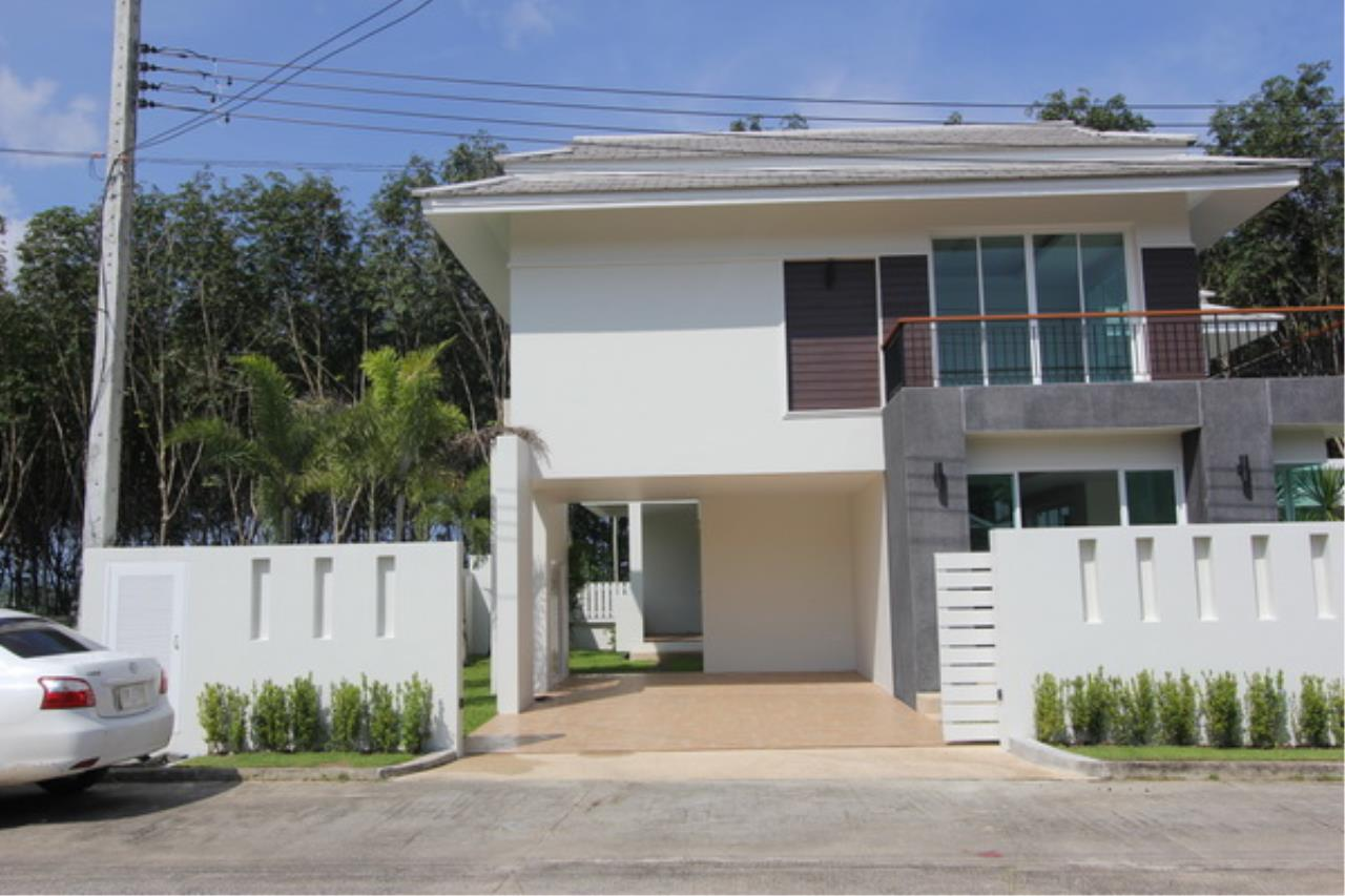 REAL Phuket  Agency's Elegant 3-Bedroom Pool Villa in Pasak 12