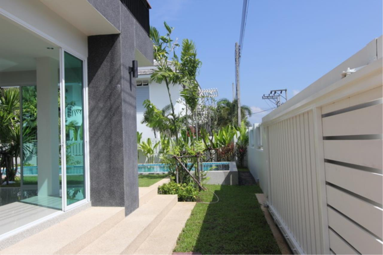 REAL Phuket  Agency's Elegant 3-Bedroom Pool Villa in Pasak 13