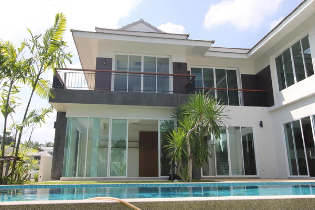 REAL Phuket  Agency's Elegant 3-Bedroom Pool Villa in Pasak 14