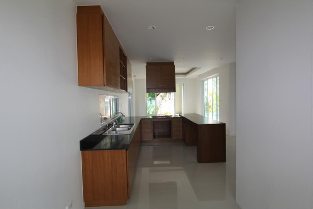 REAL Phuket  Agency's Elegant 3-Bedroom Pool Villa in Pasak 20
