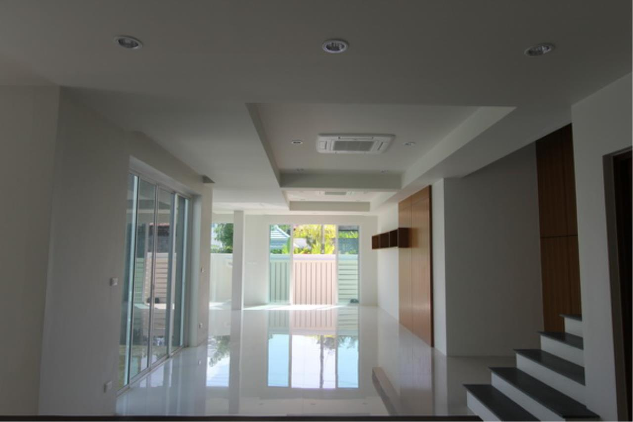 REAL Phuket  Agency's Elegant 3-Bedroom Pool Villa in Pasak 21