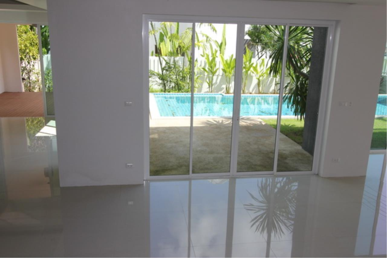 REAL Phuket  Agency's Elegant 3-Bedroom Pool Villa in Pasak 49