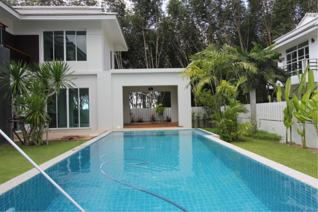 REAL Phuket  Agency's Elegant 3-Bedroom Pool Villa in Pasak 58