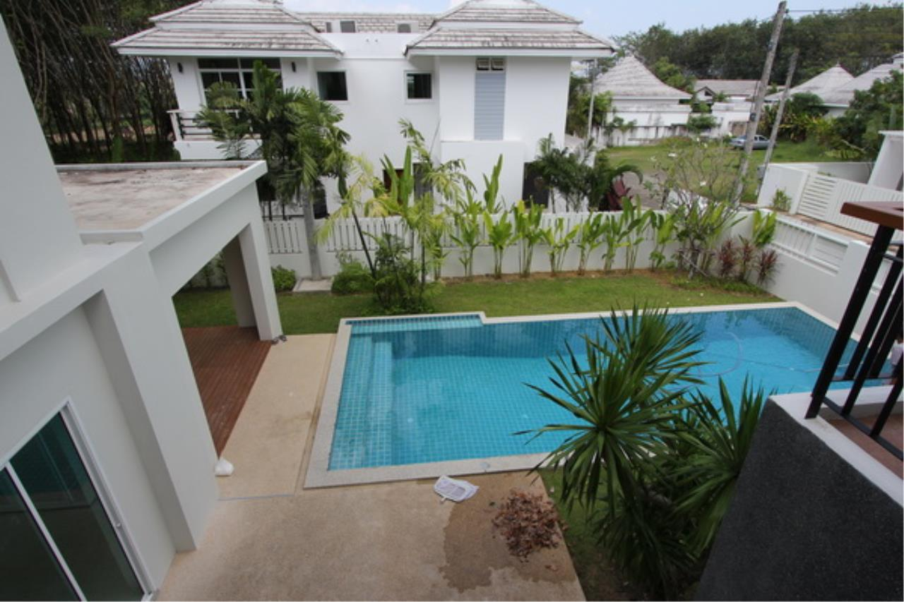 REAL Phuket  Agency's Elegant 3-Bedroom Pool Villa in Pasak 59