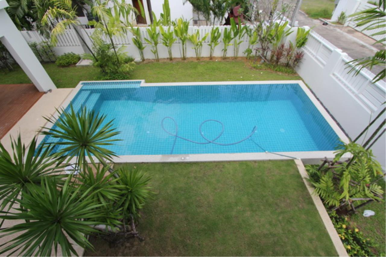 REAL Phuket  Agency's Elegant 3-Bedroom Pool Villa in Pasak 60