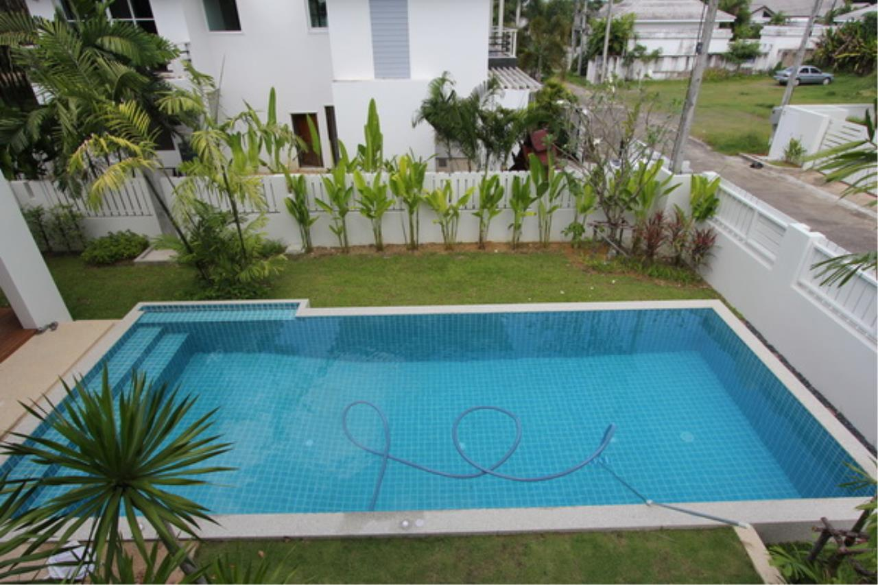 REAL Phuket  Agency's Elegant 3-Bedroom Pool Villa in Pasak 61