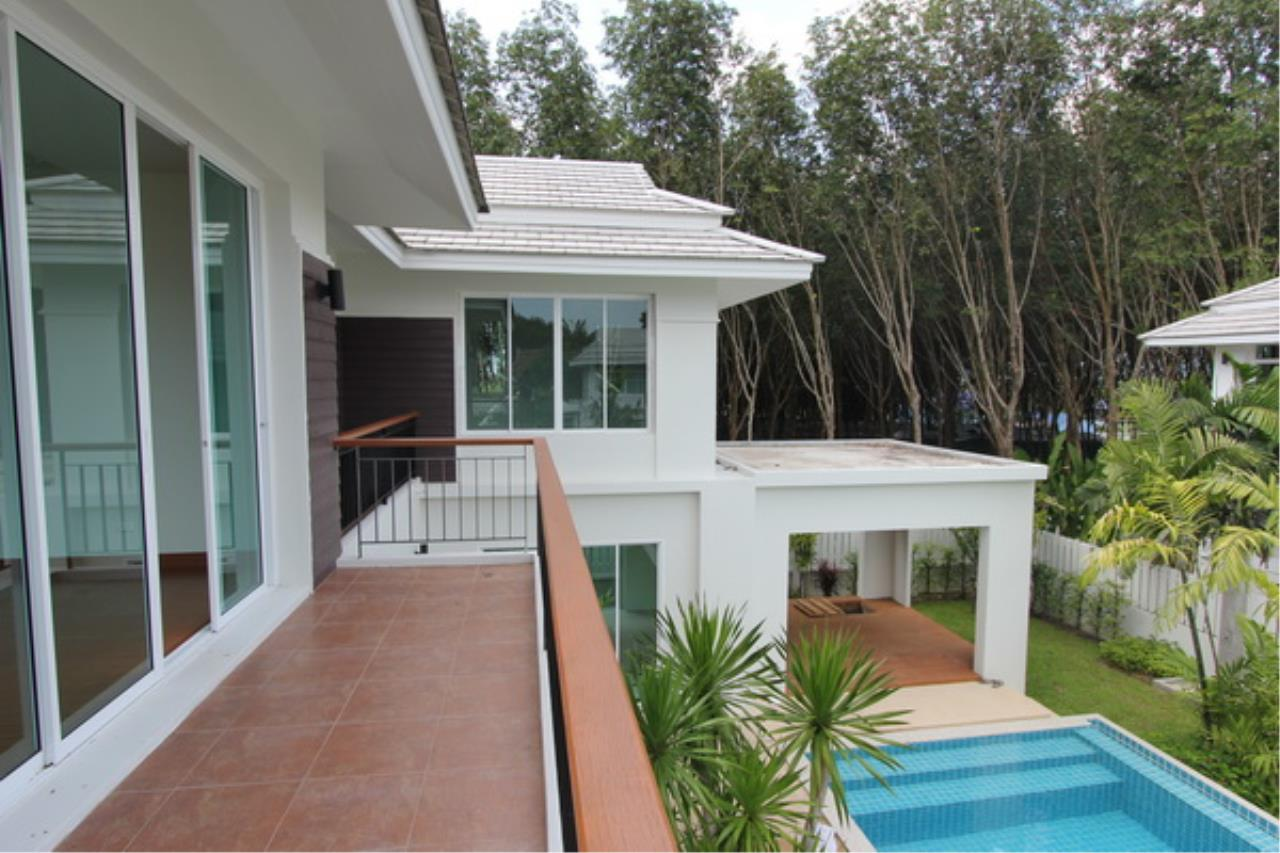 REAL Phuket  Agency's Elegant 3-Bedroom Pool Villa in Pasak 62