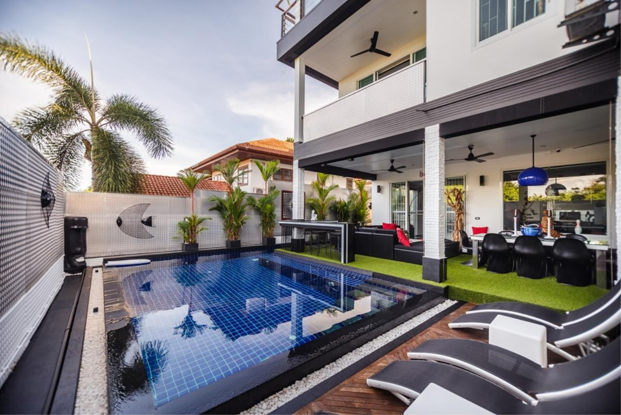 REAL Phuket  Agency's The Club Residence - 7-Bedroom Designer Pool Villa with Sea View Terrace in Saiyuan 42
