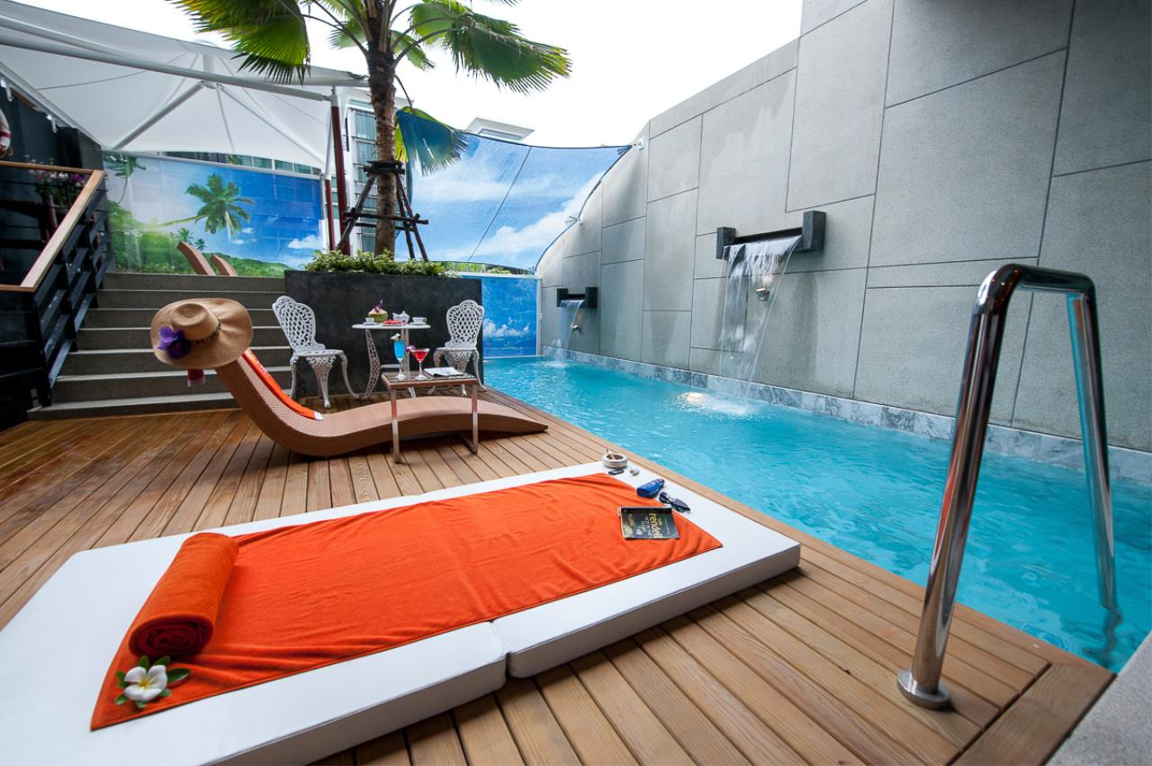 Real Phuket  Agency's Almari Residence - Unique 4-Bedroom Pool Villa overlooking Chalong Bay 1