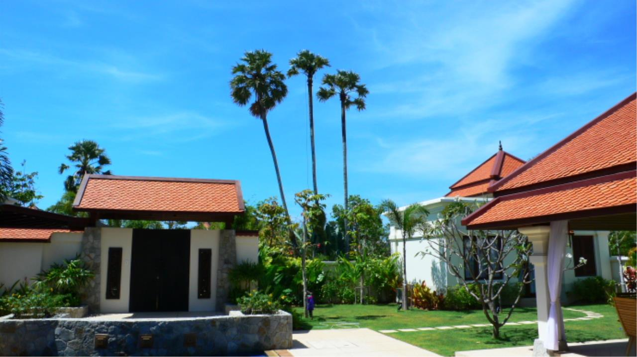 REAL Phuket  Agency's Sai Taan - Luxury Private Pool Villa 4 Bedroom near Bang Tao Beach 4