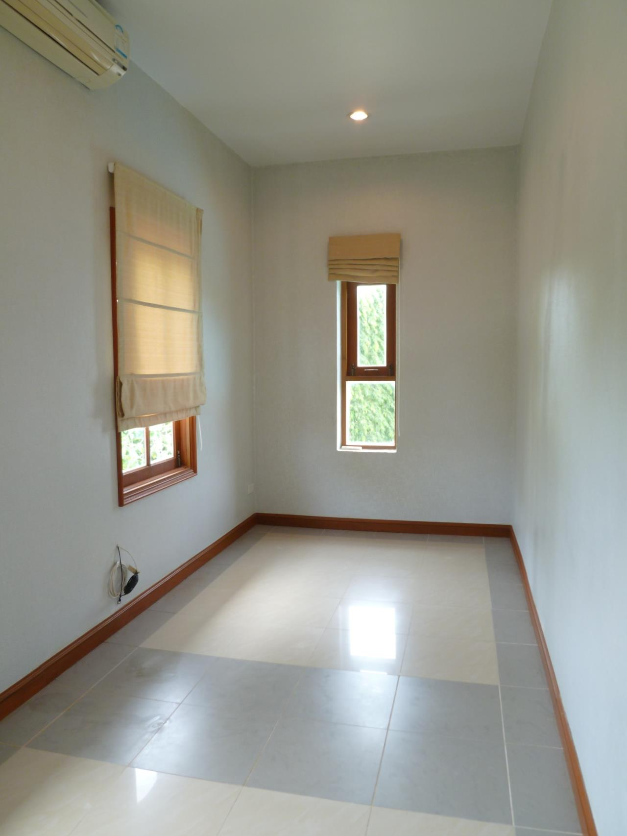 REAL Phuket  Agency's PRICE CUT - Nice 3-Bedroom Pool Villa in Kathu 9