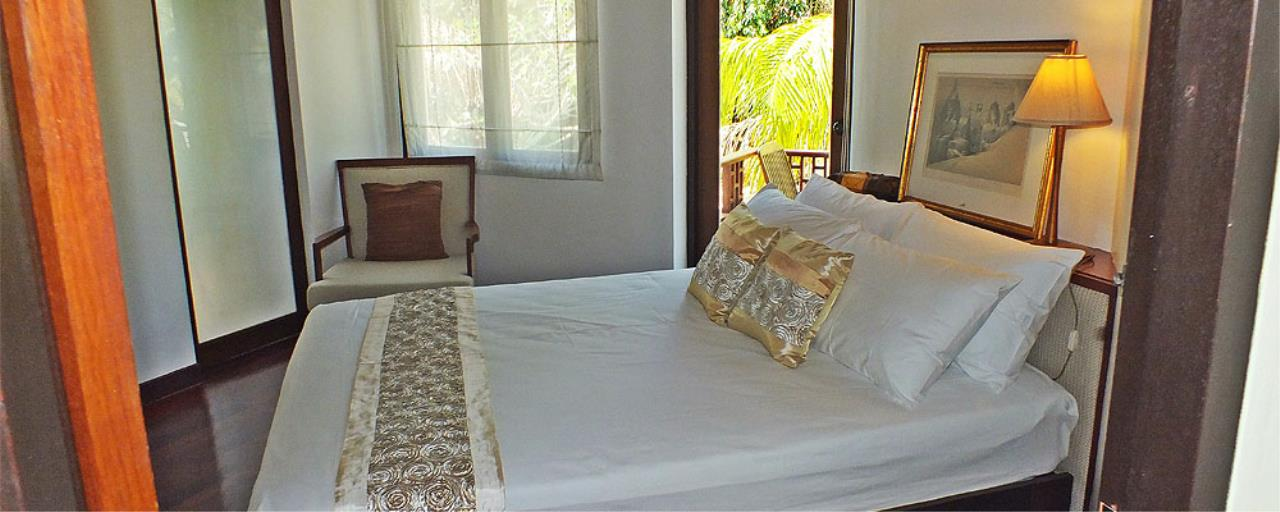 REAL Phuket  Agency's Surin Springs - Luxurious 5-Bedroom Villa just Minutes from Surin Beach 19