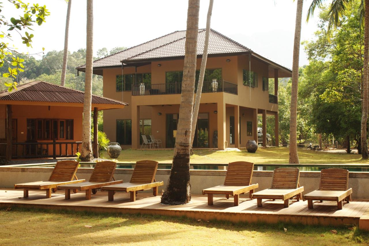 REAL Phuket  Agency's Khao Tong - Huge Beachfront 3-Bedroom Pool Villa in Krabi 4