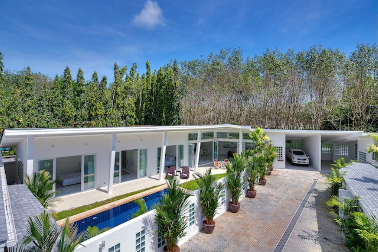 REAL Phuket  Agency's Delta Estate - Bright Modern 3-Bedroom Pool Villas in Pa Klok 33