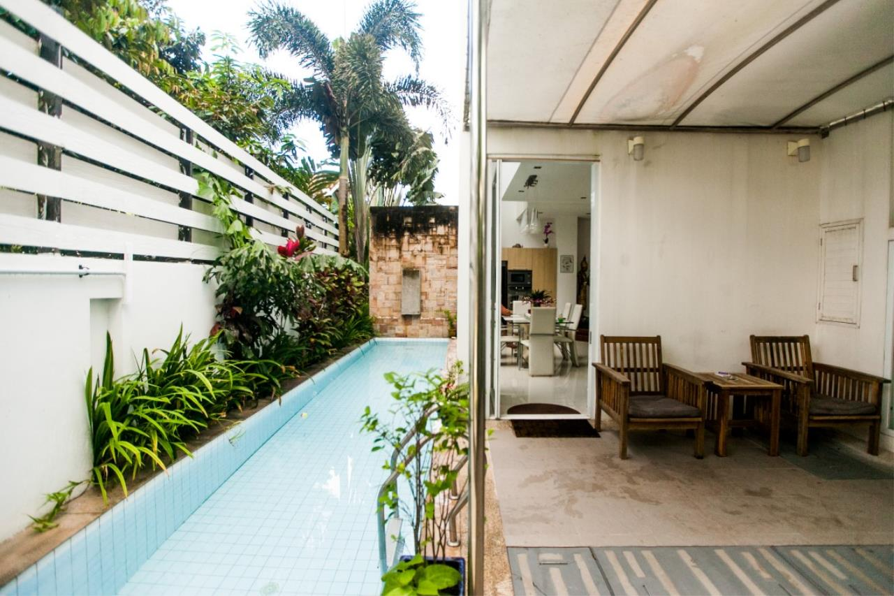 REAL Phuket  Agency's The Lantern - Modern 4-Bedroom Pool Villa with Roof Top Terrace 8