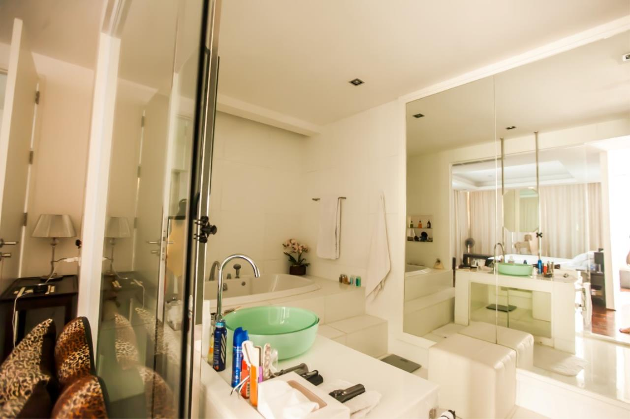 REAL Phuket  Agency's The Lantern - Modern 4-Bedroom Pool Villa with Roof Top Terrace 16