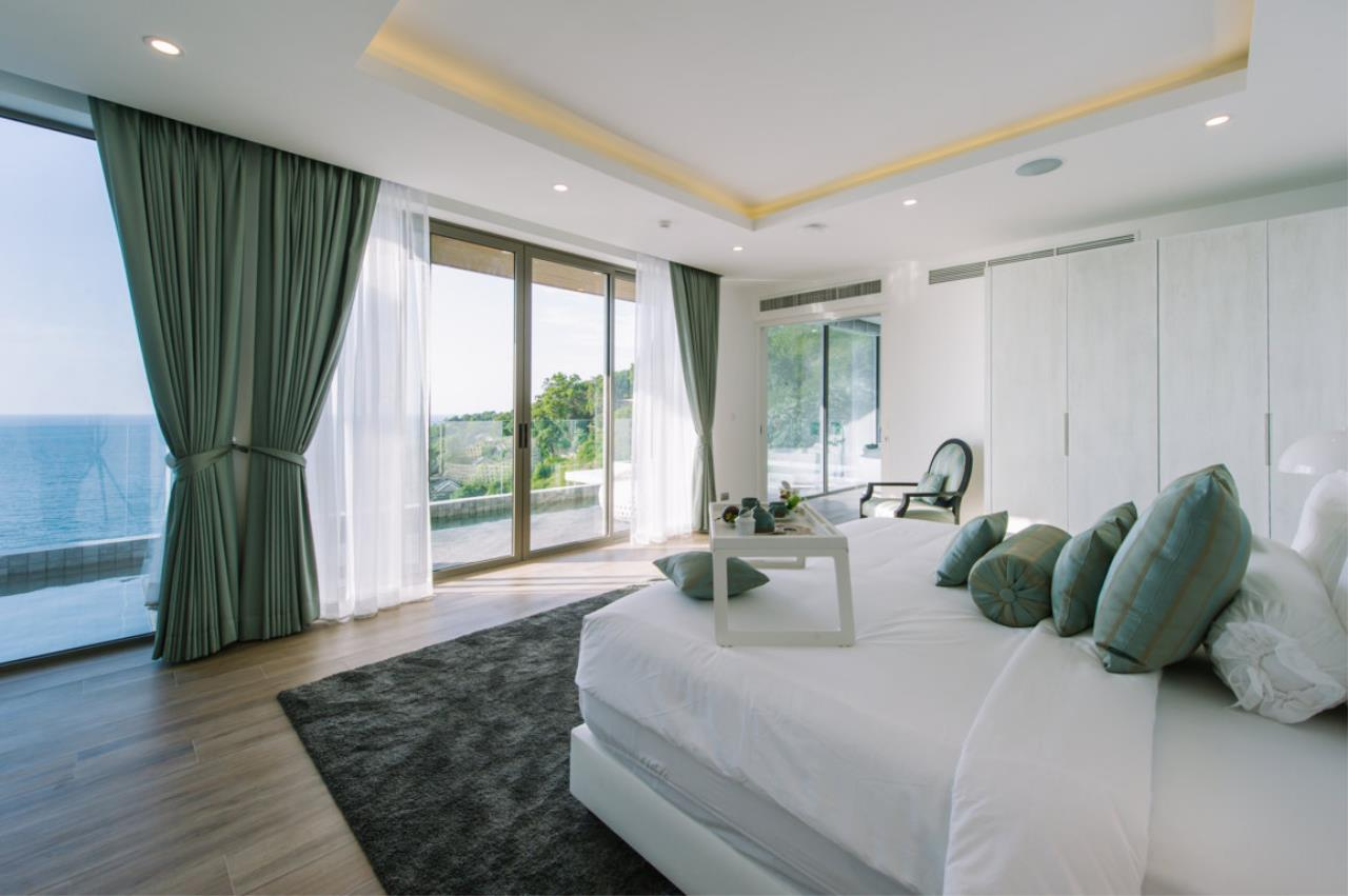 REAL Phuket  Agency's Villa Silver Moon - Stunning 6-Bedroom Ocean View Villa at Cape Amarin 5