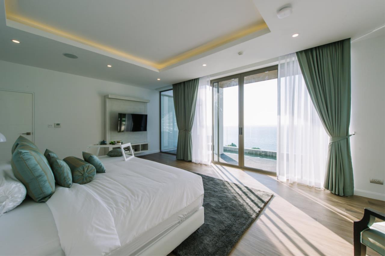 REAL Phuket  Agency's Villa Silver Moon - Stunning 6-Bedroom Ocean View Villa at Cape Amarin 6