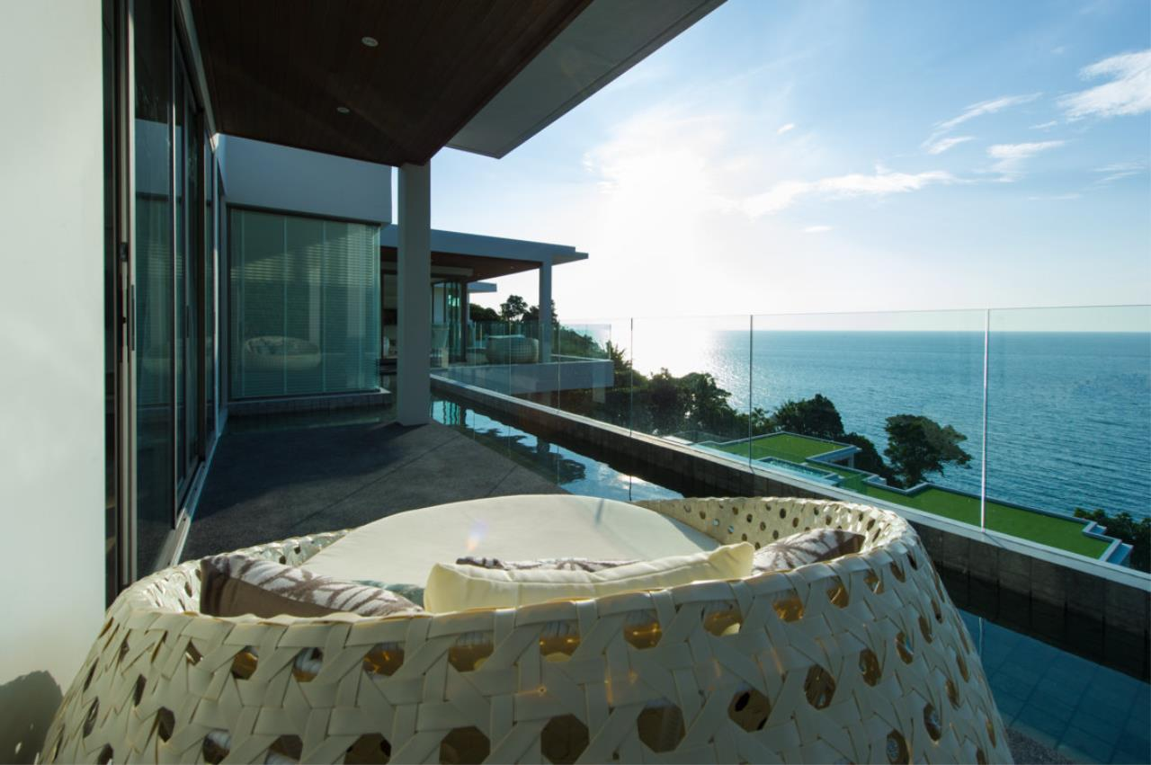 REAL Phuket  Agency's Villa Silver Moon - Stunning 6-Bedroom Ocean View Villa at Cape Amarin 18