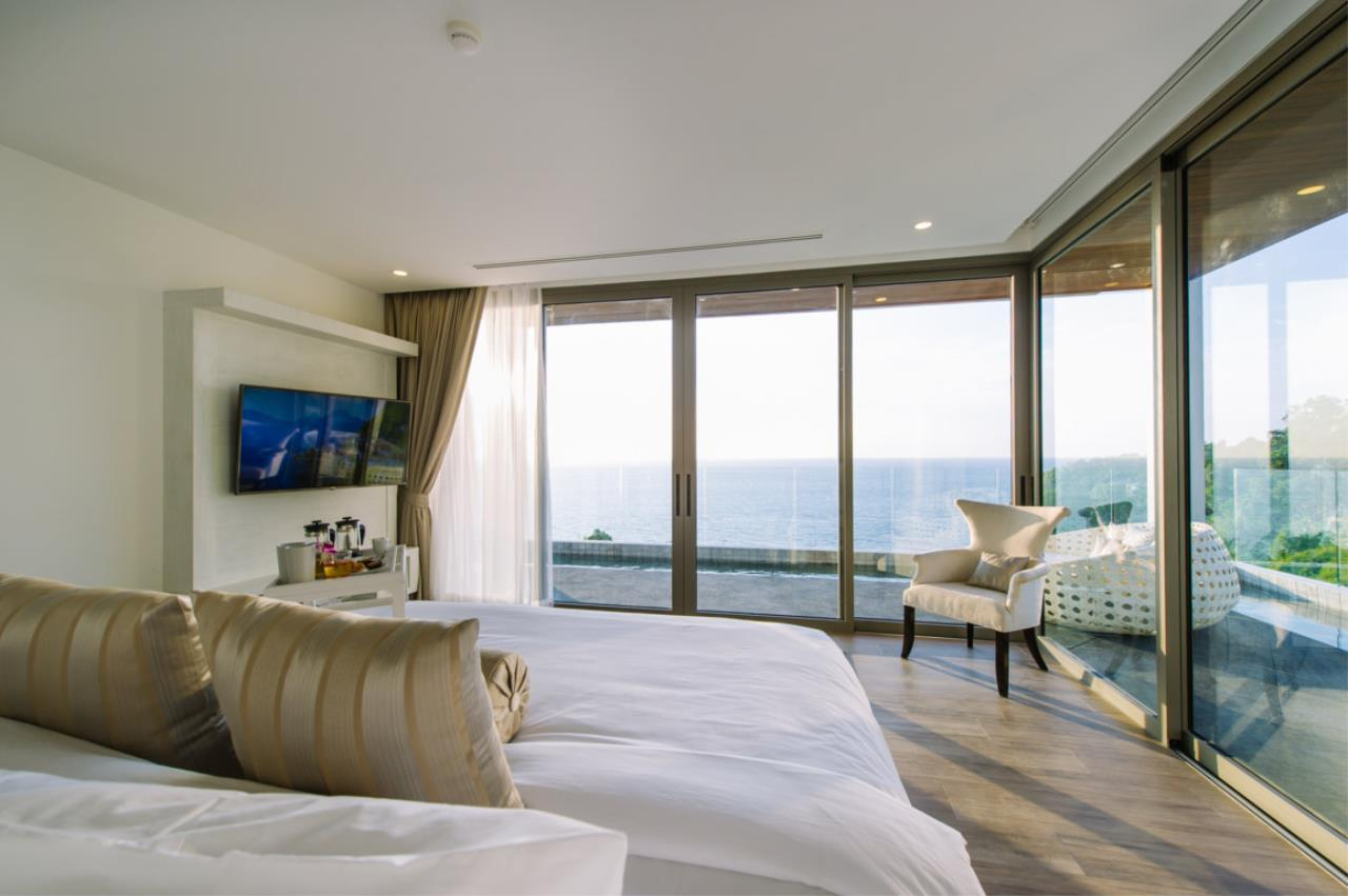 REAL Phuket  Agency's Villa Silver Moon - Stunning 6-Bedroom Ocean View Villa at Cape Amarin 51