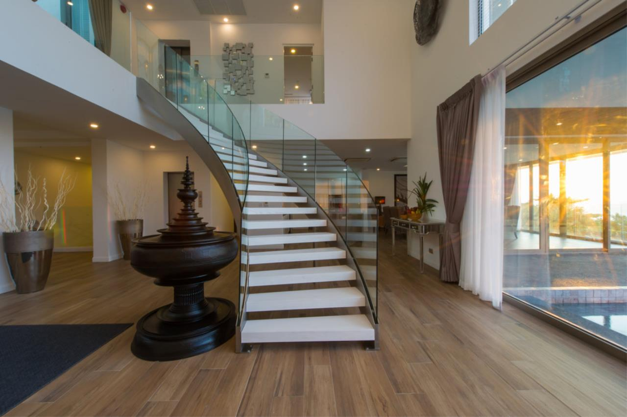 REAL Phuket  Agency's Villa Silver Moon - Stunning 6-Bedroom Ocean View Villa at Cape Amarin 64
