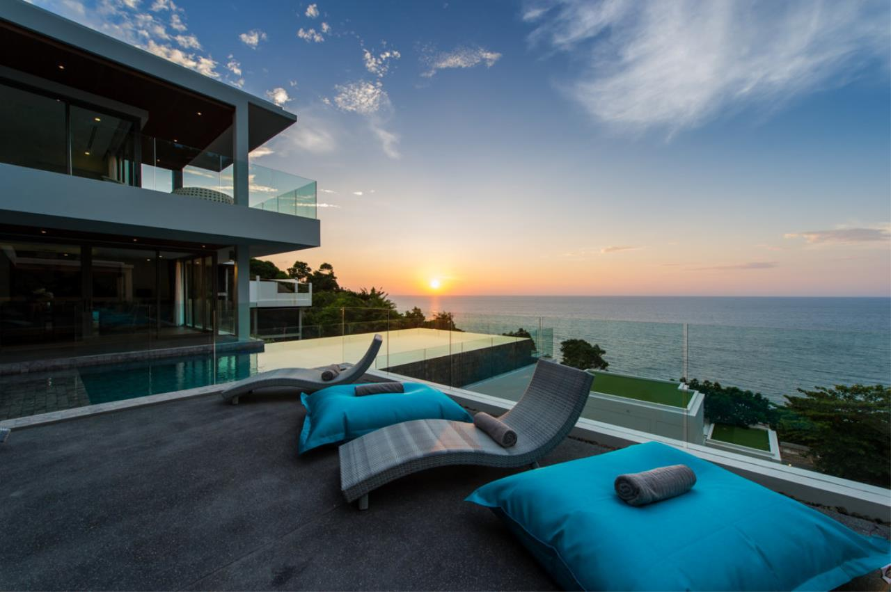 REAL Phuket  Agency's Villa Silver Moon - Stunning 6-Bedroom Ocean View Villa at Cape Amarin 1