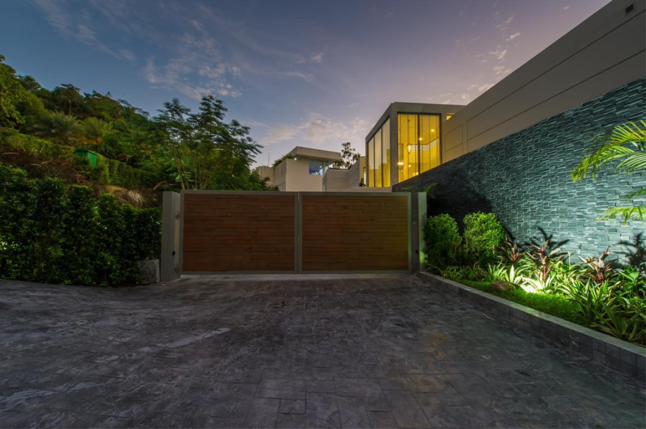 REAL Phuket  Agency's Villa Silver Moon - Stunning 6-Bedroom Ocean View Villa at Cape Amarin 79