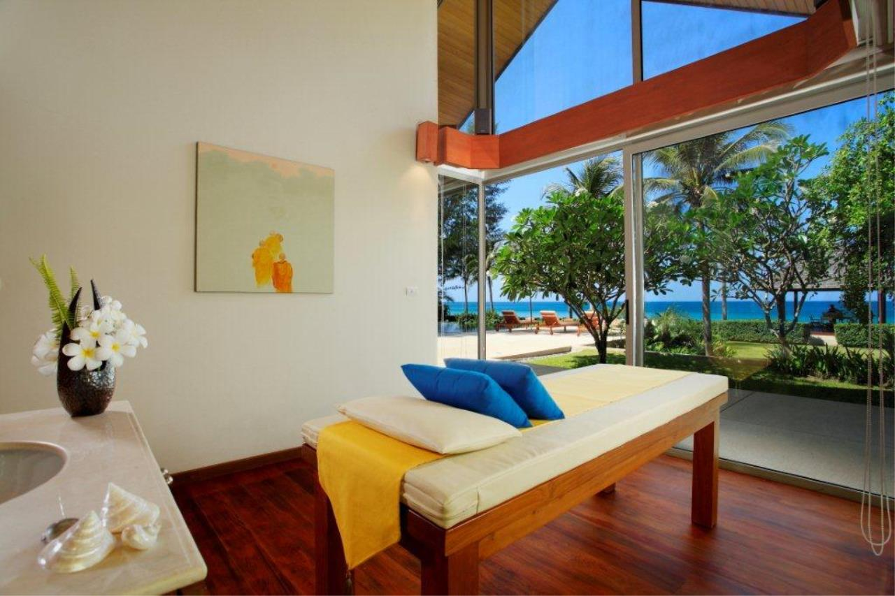 REAL Phuket  Agency's Natai Villa - A Luxurious Oceanfront 6-Bedroom Pool Villa on Natai Beach 9