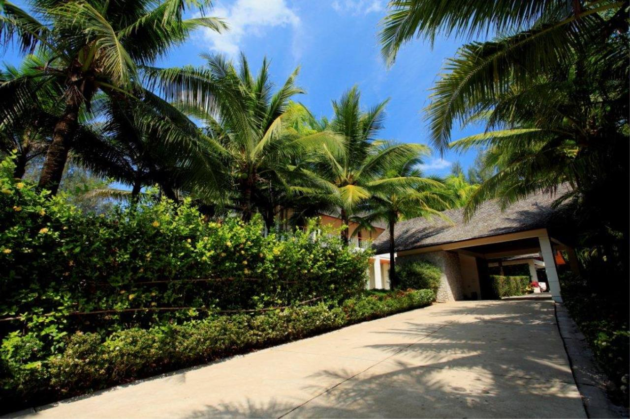 REAL Phuket  Agency's Natai Villa - A Luxurious Oceanfront 6-Bedroom Pool Villa on Natai Beach 10